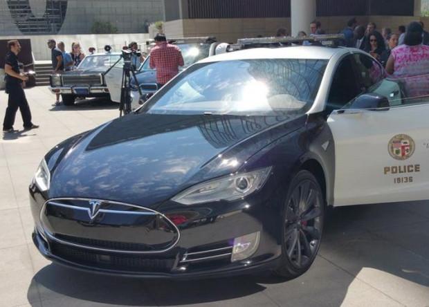 Tesla Motors впервый раз получила прибыль