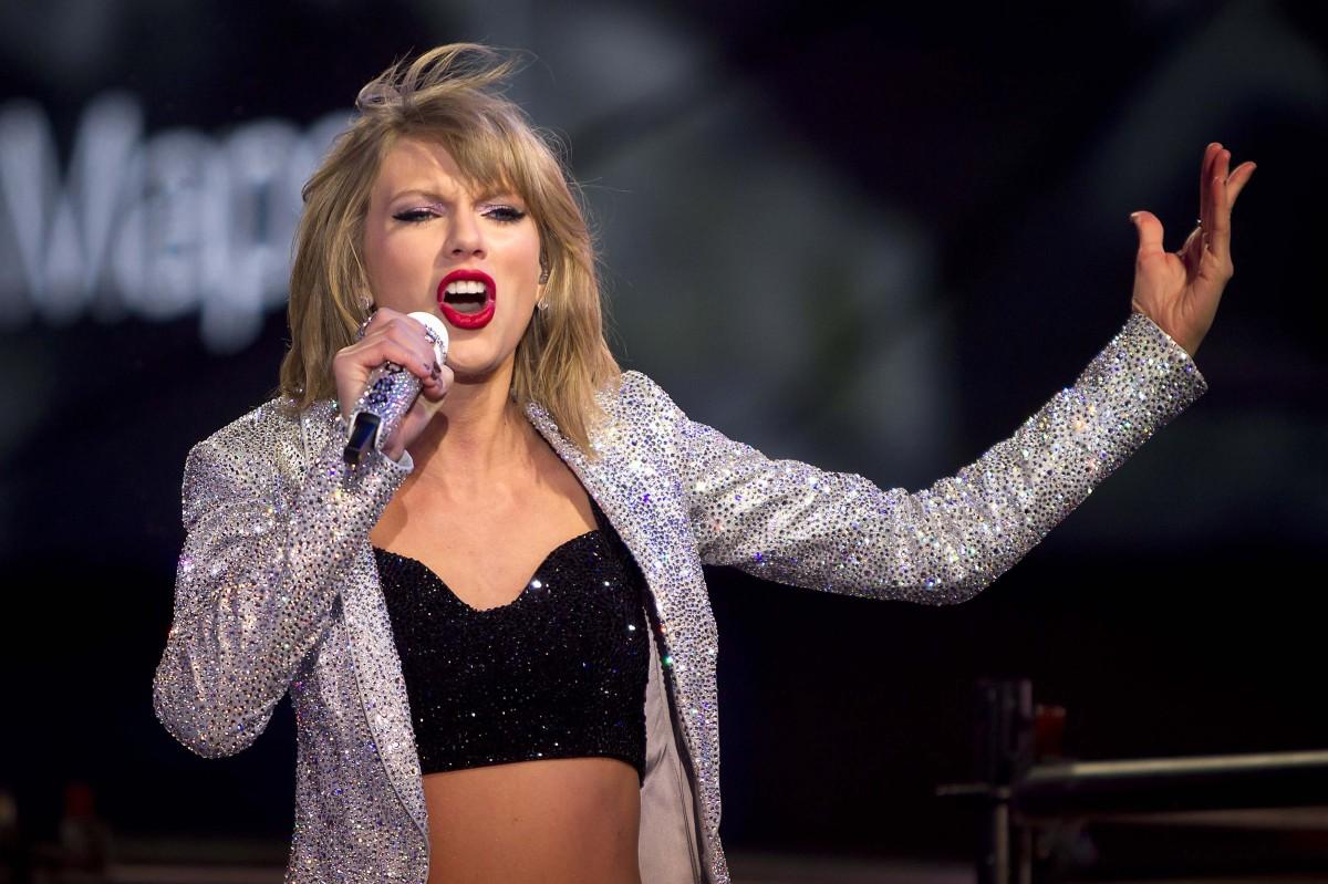 Тейлор Свифт возглавила рейтинг богатейших эстрадных певиц поверсии Forbes