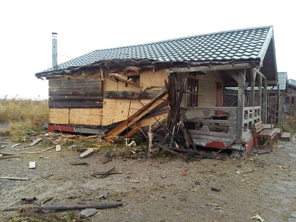 В итоге обстрела поселка под Мариуполем разрушен газопровод