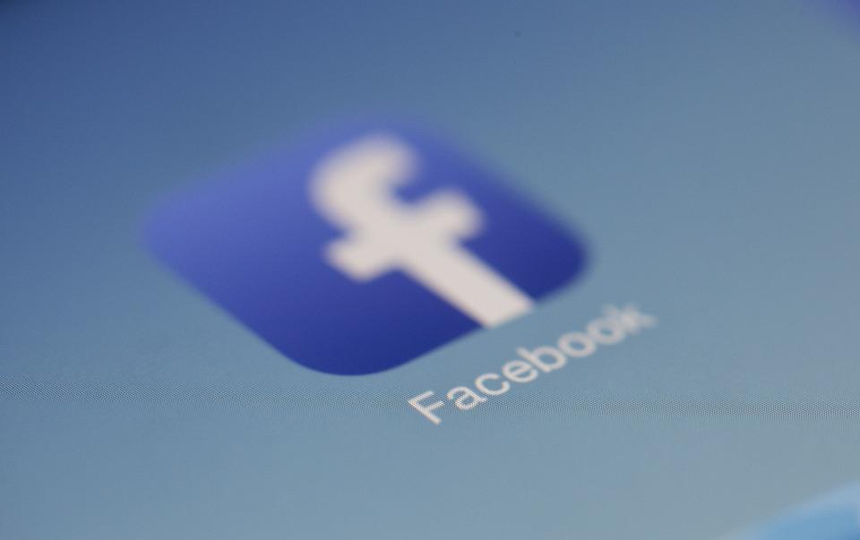 Фейсбук разработала новые меры борьбы сложными новостями