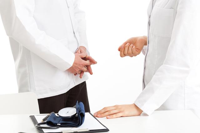 Силовики разоблачили банду «врачей», выманивавших деньги у пожилых людей
